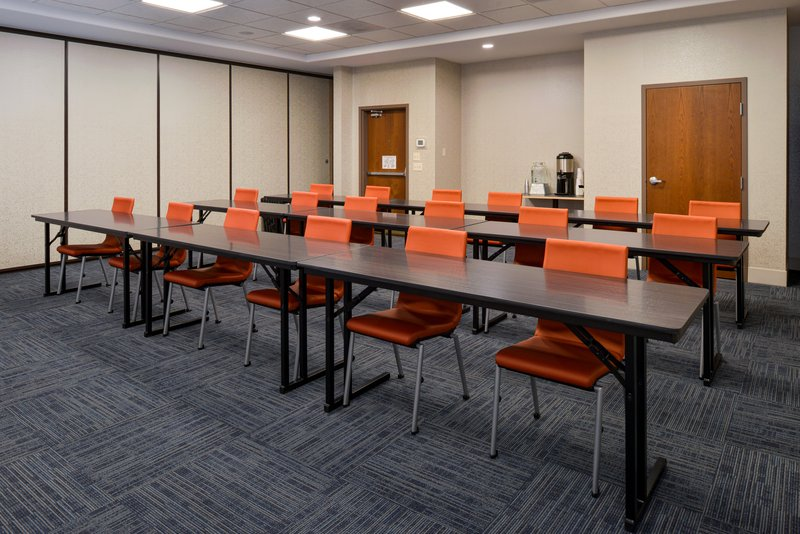 Holiday Inn Express & Suites Pueblo North-Meeting Room<br/>Image from Leonardo