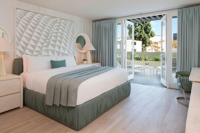 Avalon Hotel Beverly Hills-Beverly King with Patio View<br/>Image from Leonardo