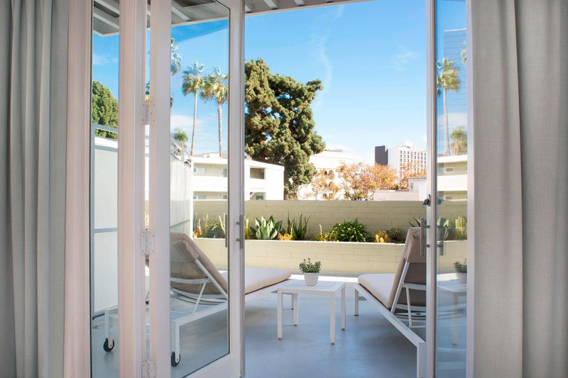 Avalon Hotel Beverly Hills-Beverly King with Patio<br/>Image from Leonardo