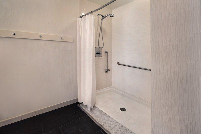 Four Points Philadelphia City Center-Accessible Guest Bathroom - Tub<br/>Image from Leonardo
