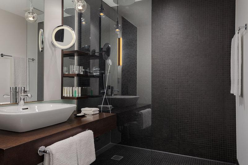 Le Meridien Grand Nuremburg-Guest Bathroom<br/>Image from Leonardo