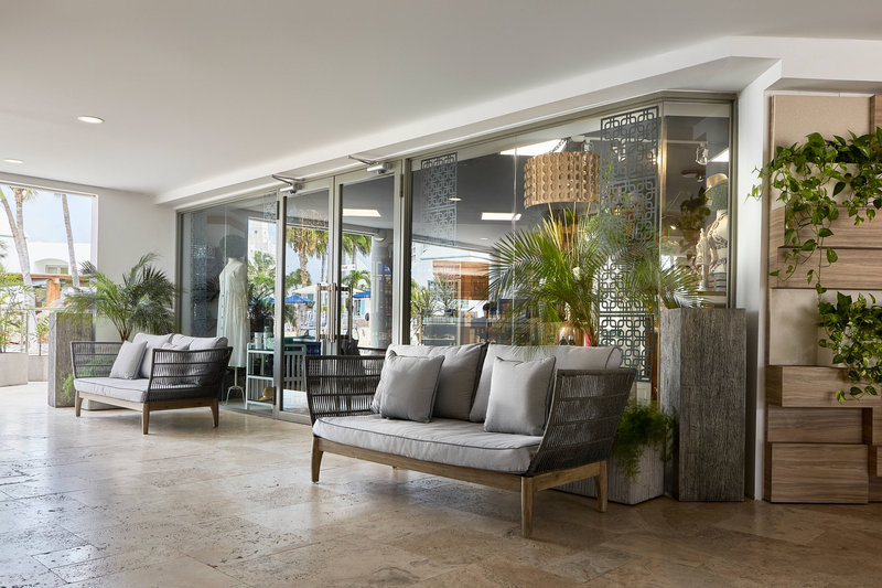Courtyard Aruba Resort-Tradewinds Courtyard<br/>Image from Leonardo