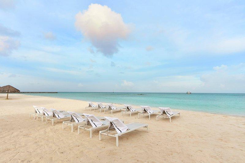 Courtyard Aruba Resort-Beach Chairs<br/>Image from Leonardo