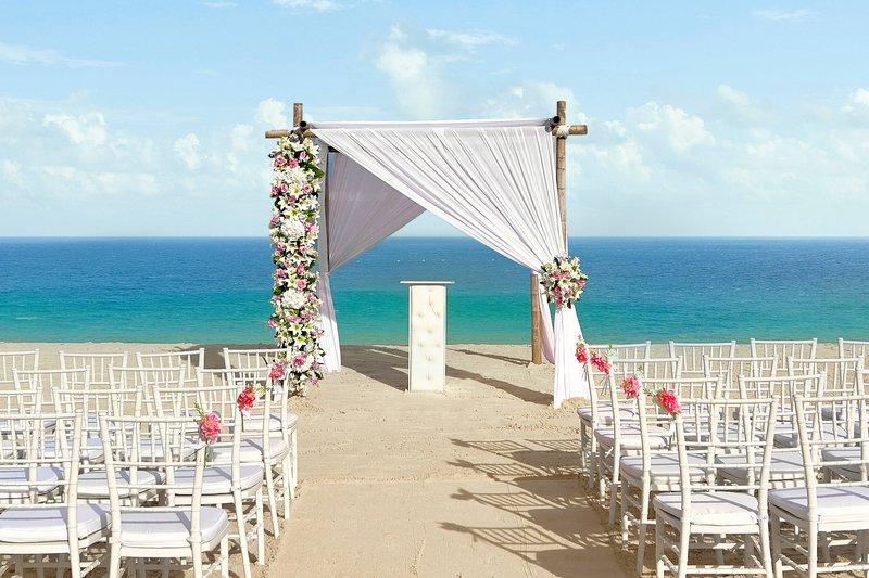 Courtyard Aruba Resort-Beach Wedding Setup<br/>Image from Leonardo