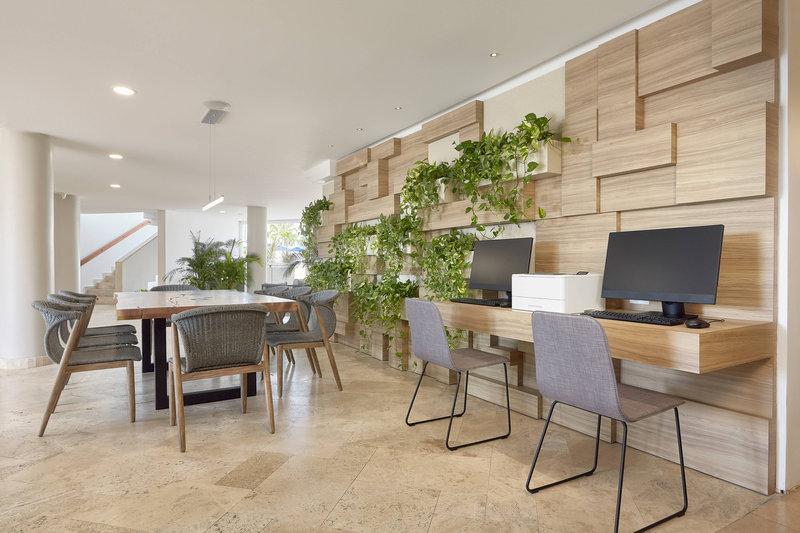 Courtyard Aruba Resort-Business Center<br/>Image from Leonardo