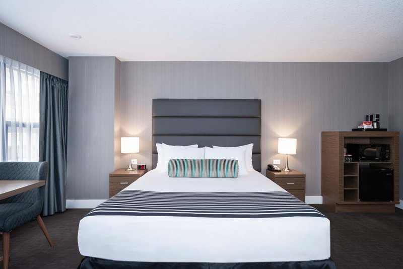 Sandman Hotel Calgary City Ctr-Corporate King Room<br/>Image from Leonardo