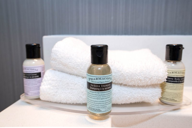 Sandman Hotel Calgary City Ctr-Corporate Queen Room Bath Amenities<br/>Image from Leonardo