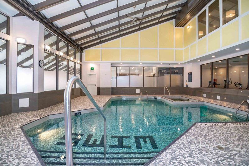 Sandman Hotel Calgary City Ctr-Indoor Pool<br/>Image from Leonardo
