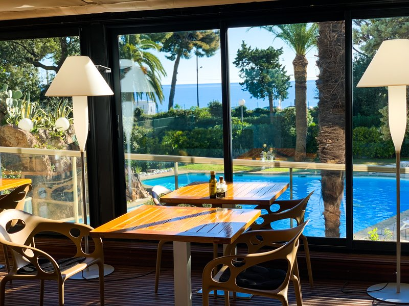 Holiday Inn Cannes-Restaurant<br/>Image from Leonardo