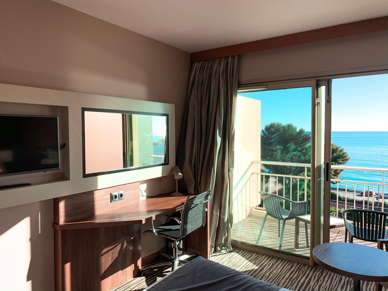 Holiday Inn Cannes-Working space with view on the sea<br/>Image from Leonardo