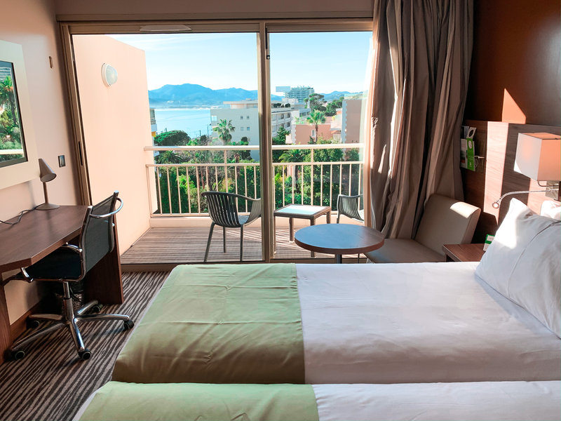 Holiday Inn Cannes-Privilege room with terrace view on the garden<br/>Image from Leonardo