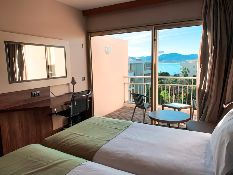 Holiday Inn Cannes-Privilege room with terrace and garden view<br/>Image from Leonardo
