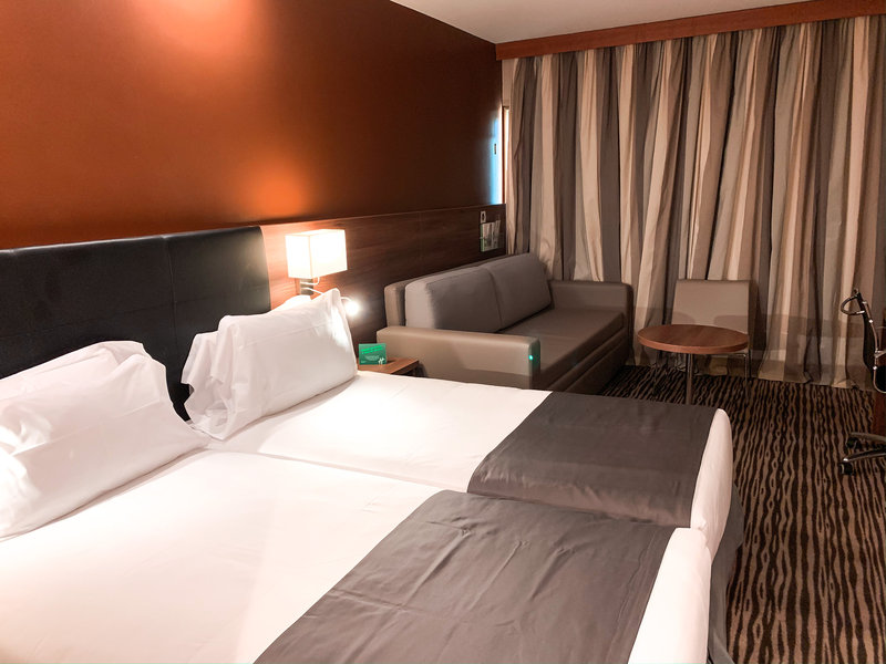 Holiday Inn Cannes-Family room with sofa bed<br/>Image from Leonardo