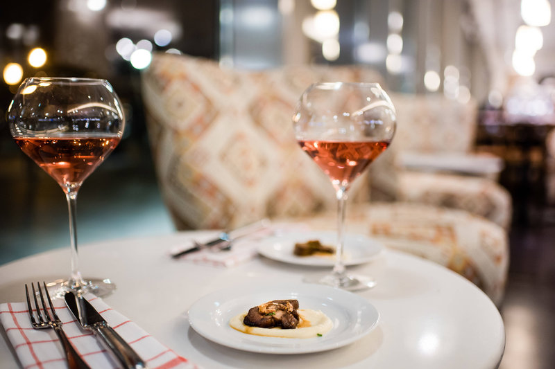 Budapest Marriott Hotel-DNB Budapest - Seared local goose liver with a glass of Ruppert Siller Rose<br/>Image from Leonardo