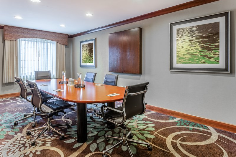 Staybridge Suites Davenport-Meeting Room<br/>Image from Leonardo