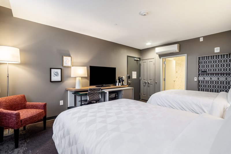 Holiday Inn Columbia Downtown-Queen Liesure Guest Room<br/>Image from Leonardo