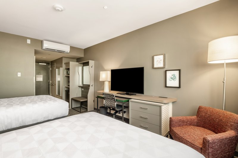 Holiday Inn Columbia Downtown-Queen Bed Guest Room<br/>Image from Leonardo
