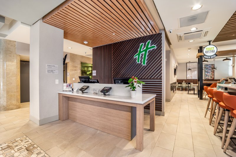 Holiday Inn Columbia Downtown-Front Desk<br/>Image from Leonardo