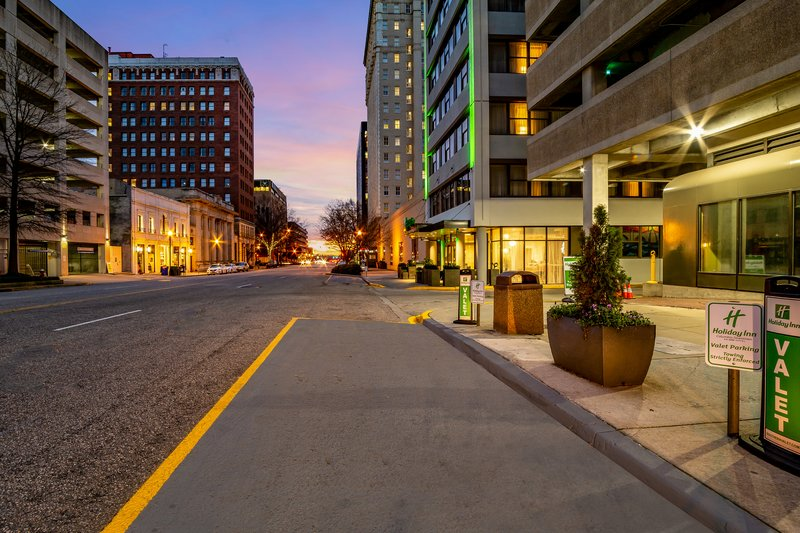Holiday Inn Columbia Downtown-Valet Services<br/>Image from Leonardo