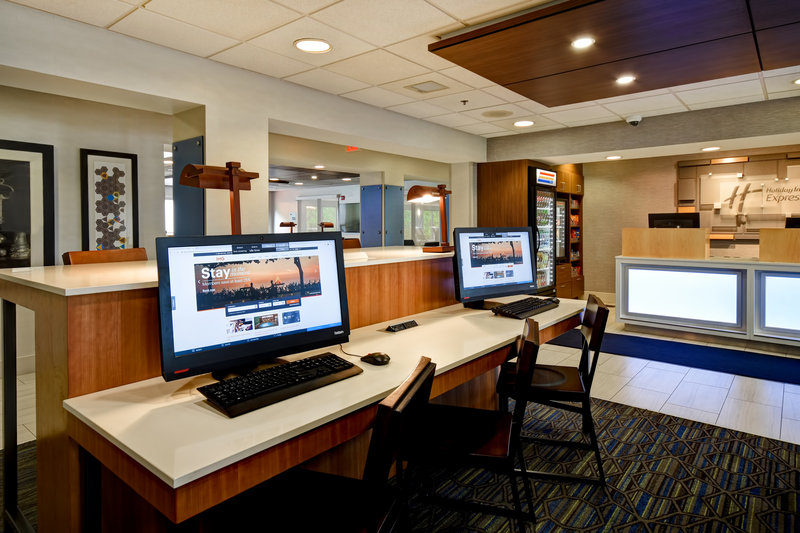 Holiday Inn Express Middletown/Newport-Business Center<br/>Image from Leonardo