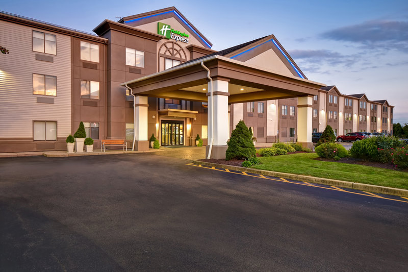 Holiday Inn Express Middletown/Newport-Hotel Exterior<br/>Image from Leonardo
