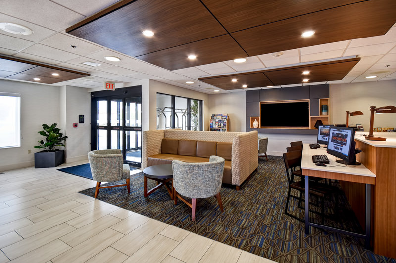 Holiday Inn Express Middletown/Newport-Lobby Lounge<br/>Image from Leonardo