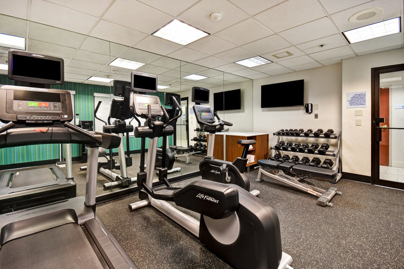 Holiday Inn Express Middletown/Newport-Fitness Center<br/>Image from Leonardo