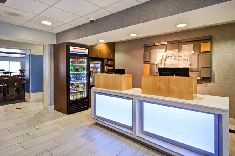Holiday Inn Express Middletown/Newport-Front Desk<br/>Image from Leonardo