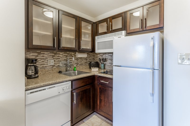 Staybridge Suites Davenport-Kitchen <br/>Image from Leonardo