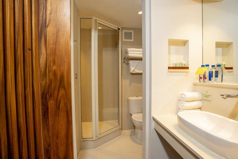 Holiday Inn Suva-Guest Bathroom<br/>Image from Leonardo