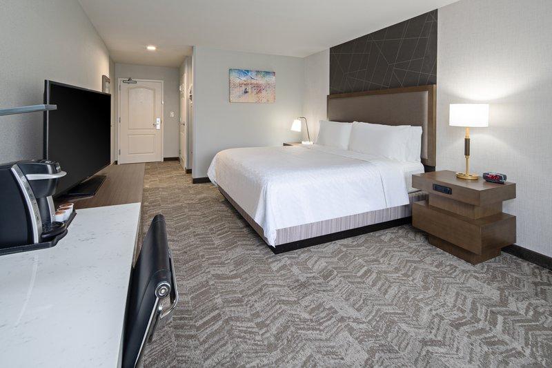 Holiday Inn Express Hotel & Suites Santa Clarita-Guest Room <br/>Image from Leonardo