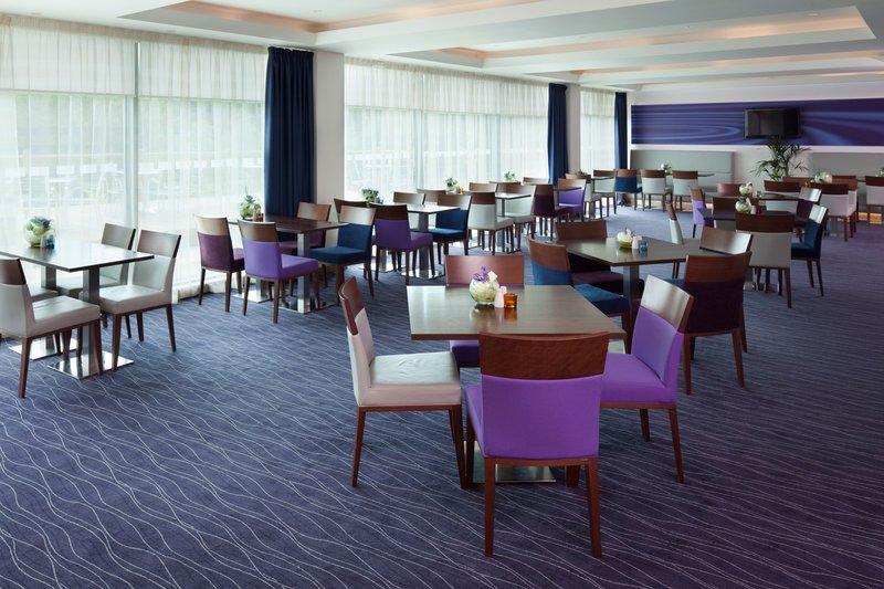 Holiday Inn Express Burnley M65, Jct.10-Restaurant<br/>Image from Leonardo