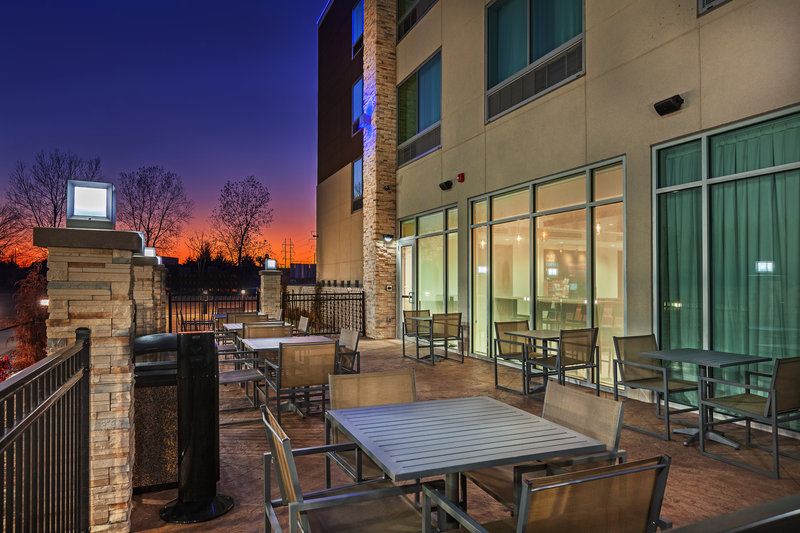 Holiday Inn Express And Suites Tulsa Northeast Owasso-Exterior Feature<br/>Image from Leonardo