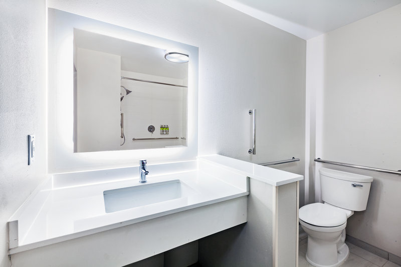 Holiday Inn Express And Suites Tulsa Northeast Owasso-Guest Bathroom<br/>Image from Leonardo