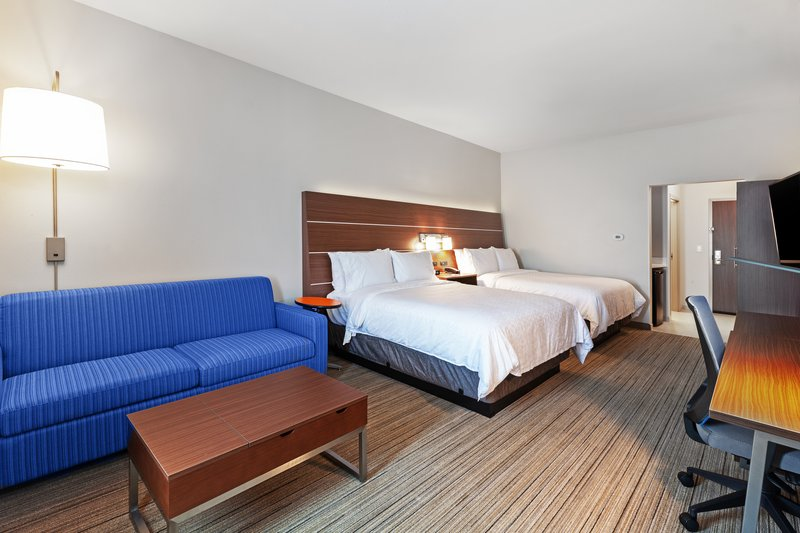 Holiday Inn Express And Suites Tulsa Northeast Owasso-Deluxe Room<br/>Image from Leonardo
