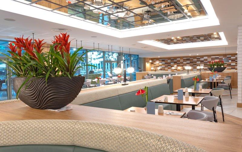 Crowne Plaza Marlow-AA Rosette Restaurant<br/>Image from Leonardo