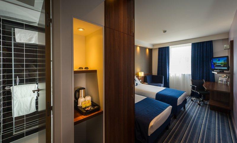 Holiday Inn Express Strasbourg - Centre-Twin Room<br/>Image from Leonardo