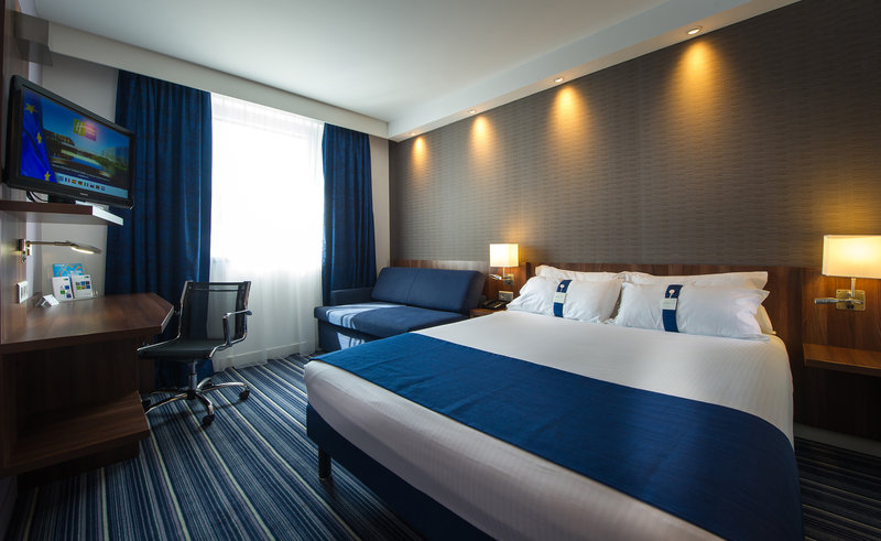 Holiday Inn Express Strasbourg - Centre-Guest Room<br/>Image from Leonardo