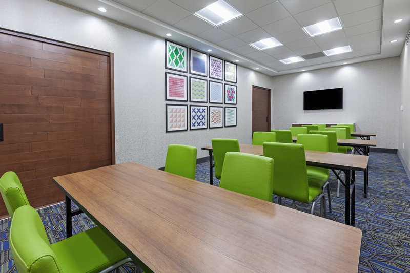 Holiday Inn Express And Suites Tulsa Northeast Owasso-Meeting Room<br/>Image from Leonardo