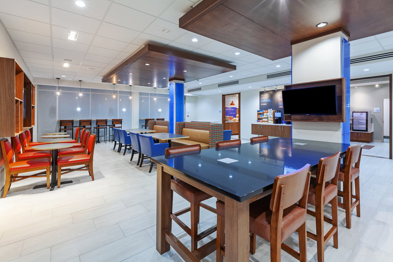 Holiday Inn Express And Suites Tulsa Northeast Owasso-Breakfast Area<br/>Image from Leonardo