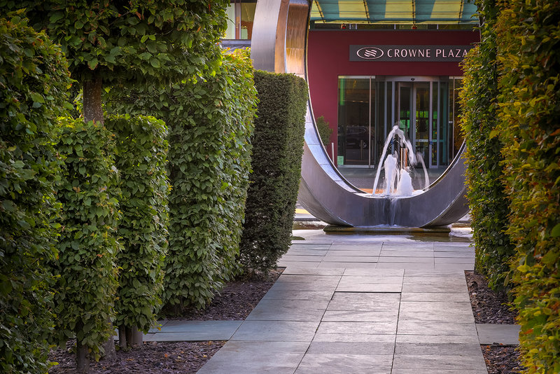 Crowne Plaza Marlow-Tranquil fountain<br/>Image from Leonardo