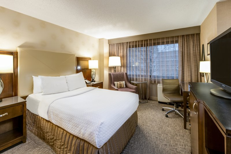 Crowne Plaza White Plains - Downtown-Guest Room<br/>Image from Leonardo