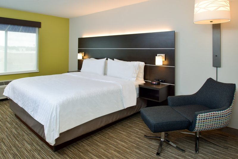 Holiday Inn Express & Suites Pueblo North-King Bed Guest Room<br/>Image from Leonardo