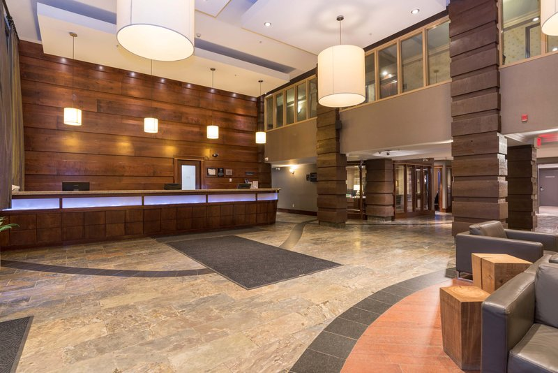 Sandman Hotel Calgary Airport-Front Desk<br/>Image from Leonardo