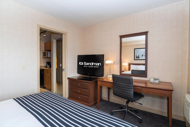 Sandman Hotel Calgary Airport-Corporate King Suite With Sofa Bed<br/>Image from Leonardo