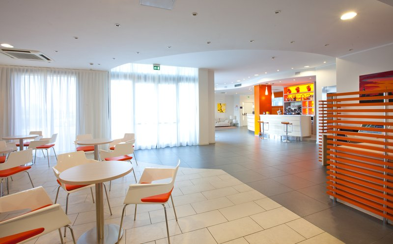 Holiday Inn Express Reggio Emilia-Lobby Lounge<br/>Image from Leonardo