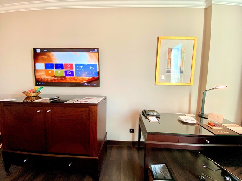 Millennium Doha - Deluxe Room Work Desk <br/>Image from Leonardo