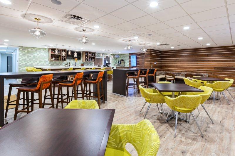 Holiday Inn Express & Suites Ann Arbor-Restaurant<br/>Image from Leonardo