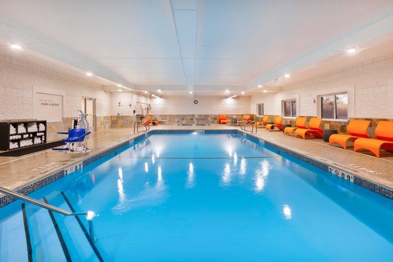 Holiday Inn Express & Suites Ann Arbor-Swimming Pool<br/>Image from Leonardo
