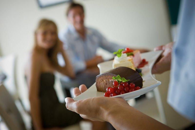 Aruba Marriott Resort-Tradewinds Club Servings<br/>Image from Leonardo